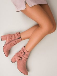 Semišové růžové kotníkové boty na podpatku