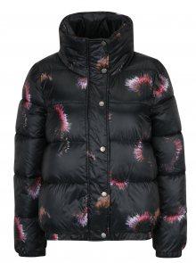 Černá květovaná bunda s vysokým límcem Jacqueline de Yong Roona