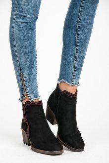 Parádní černé kotníkové boty s etno vzorem