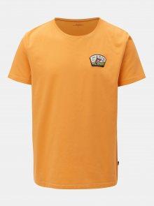Oranžové tričko s nášivkou Makia Creek