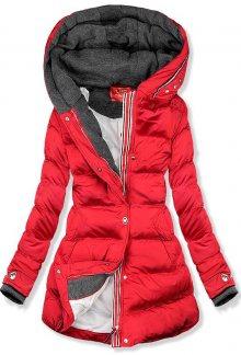 Červená prošívaná bunda s kapucí