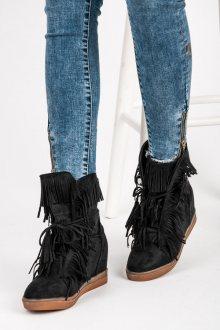 Elegantní černé semišové kotníkové boty s třásněmi