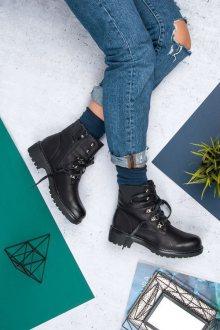 Trendy černé kotníkové boty se šněrováním