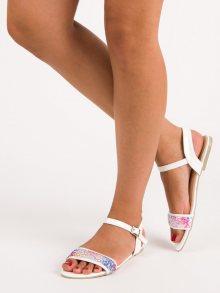 Stylové bílé sandály