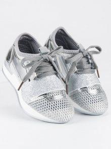 Moderní stříbrné nazouvací tenisky