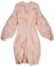 Růžový svetr s třásněmi