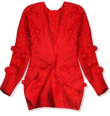 Červený svetr s bambulkami