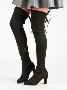 Černé elastické mušketýrky na podpatku