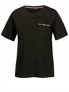 Černé tričko s náprsní kapsou ONLY Tally