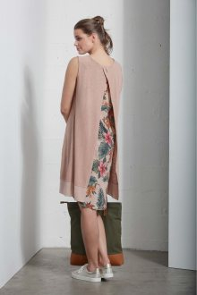 Deha béžové oversize šaty s tropickými motivy na zádech  - S