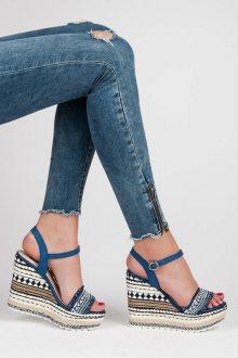 Etnické sandály s ozdobným klínem
