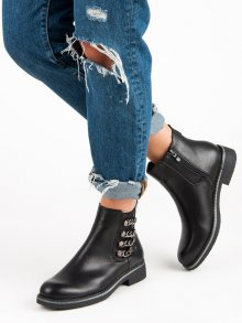Černé botky na plochém podpatku