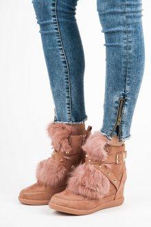 Semišové růžové kotníkové boty s kožíškem a přezkami