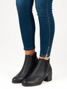 Originální černé kotníkové boty na podpatku