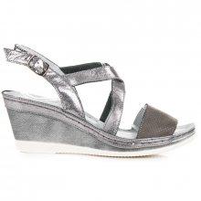 Lehké šedé kožené sandály na klínku