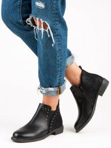 Nízké černé kotníkové boty zdobené cvočky