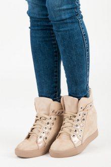 Stylové béžové sneakery s tkaničkami