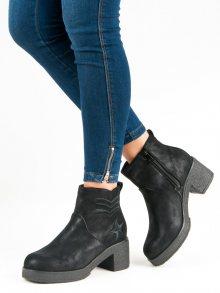 Nízké černé kotníkové boty na podpatku
