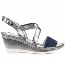 Lehké stříbrné kožené sandály na klínku