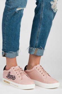 Šněrovací růžové tenisky s nápisem Love