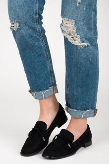 Elegantní černé mokasíny na nízkém podpatku