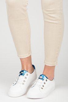 Moderní bílé tenisky s tkaničkami
