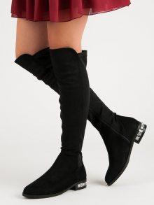 Luxusní černé kozačky na plochém podpatku
