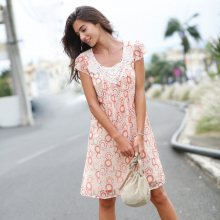 Blancheporte Voálové šaty s potiskem a macramé bílá/korálová 36