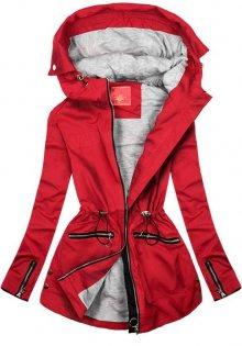 Červená parka s kapucí