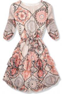 Meruňkové vzorované šaty s volány