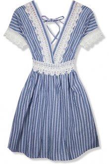 Světle modré letní šaty s holými zády