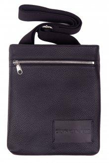 Calvin Klein černá crossbody unisex taška Pebble Essential Flatpack Black