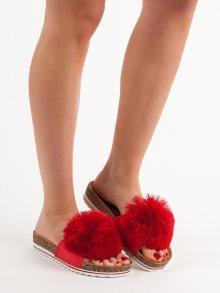 Pěkné červené  nazouváky dámské bez podpatku