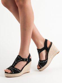 Praktické dámské černé  sandály na klínku