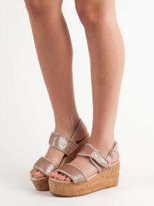 Trendy dámské  sandály růžové na klínku