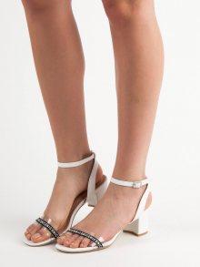 Stylové bílé  sandály dámské na širokém podpatku