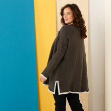 Dvoubarevný svetr \