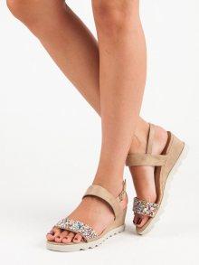 Moderní béžové letní sandály s korálky