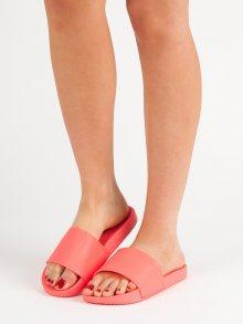 Trendy dámské  nazouváky červené bez podpatku