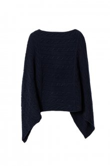 O3. LAMBSWOOL CABLE PONCHO