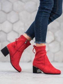 Designové červené  kotníčkové boty dámské na širokém podpatku