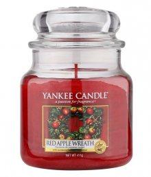 Yankee Candle vonná svíčka Red Apple Wreath Classic střední