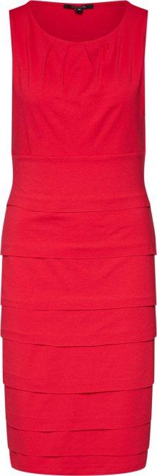 COMMA Šaty červená