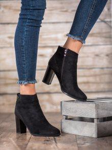 Pohodlné černé dámské  kotníčkové boty na širokém podpatku 37