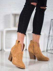 Originální hnědé dámské  kotníčkové boty na širokém podpatku 36