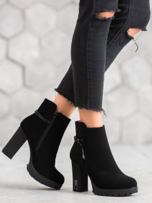 Jedinečné  kotníčkové boty dámské černé na širokém podpatku 37