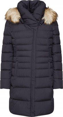 COMMA Zimní kabát černá