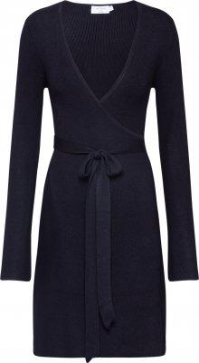 NA-KD Úpletové šaty černá