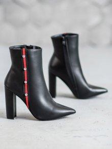 Trendy dámské  kotníčkové boty černé na širokém podpatku 36