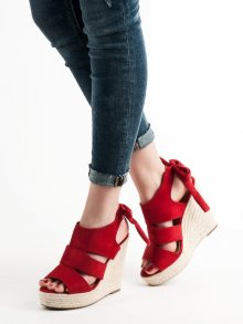 Exkluzívní červené  sandály dámské na klínku 40